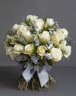 Chic white bouquet | Delivery and order flowers in Aktobe
