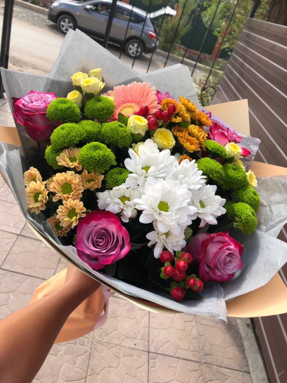 Орхидеи букетах, доставка цветов крылатское